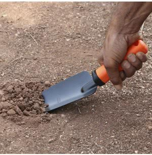 Falcon Steel Trowel with Plastic Handle