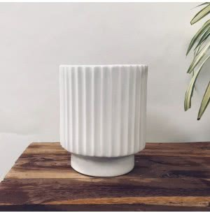Dark Affinity White Medium Ceramic Pot