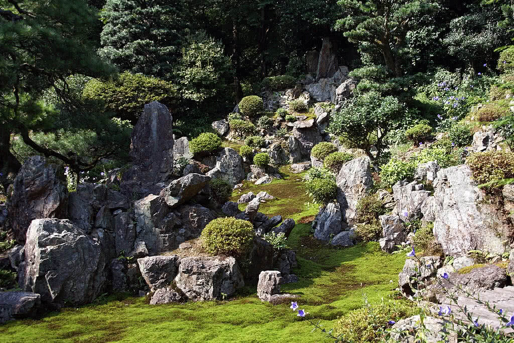 How to make a rock garden landscaping with rocks - How to make a japanese rock garden ...