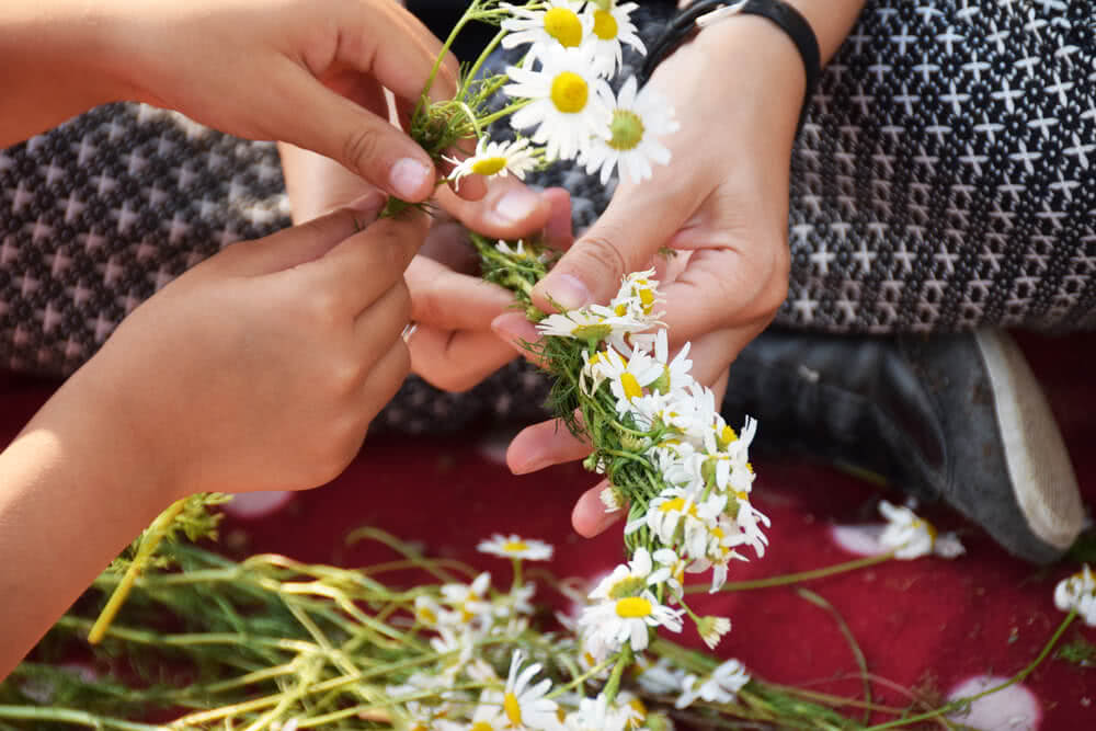 how to make flower ornaments
