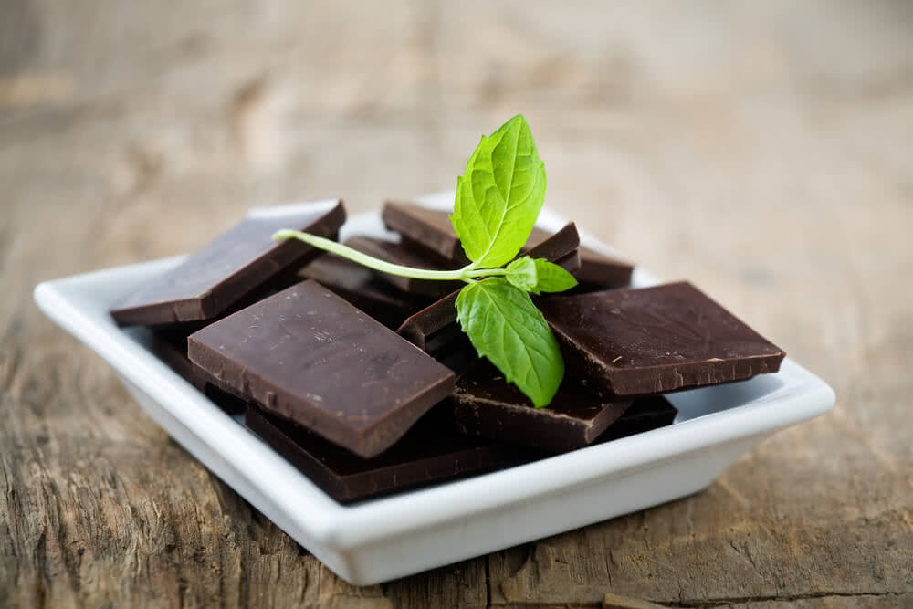 Valentines gifts - Chocolate with mint leaves